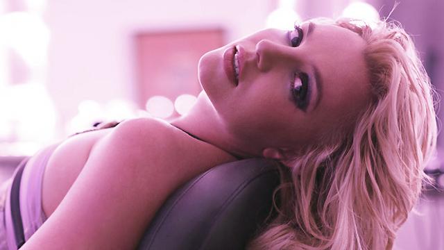 Друзья Бритни Спирс считают, что она ещё не в том состоянии, чтобы выйти из-под опекунства над ней