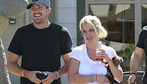 September 05 - Britney And David Leaving Urban Cafe In Calabasas